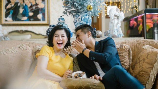 Desiree  Tarigan Tak Mau Campuri Masalah Pernikahan Bams eks Samsons dan Mikhavita Wijaya