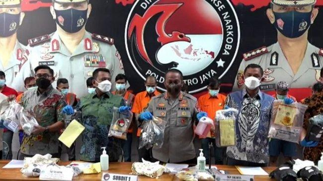 Polda Metro Jaya Bongkar Jaringan Narkoba Industri Rumahan yang Produksi 157 Kilogram Ganja Sintetis