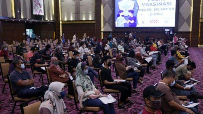 Malaysia Tutup Pusat Vaksinasi setelah Lebih dari 200 Nakes Terpapar Covid-19