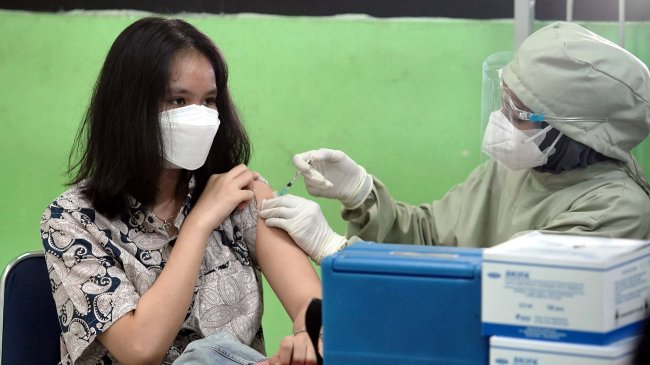 Anak-anak Mulai Disuntik Vaksin Sinovac
