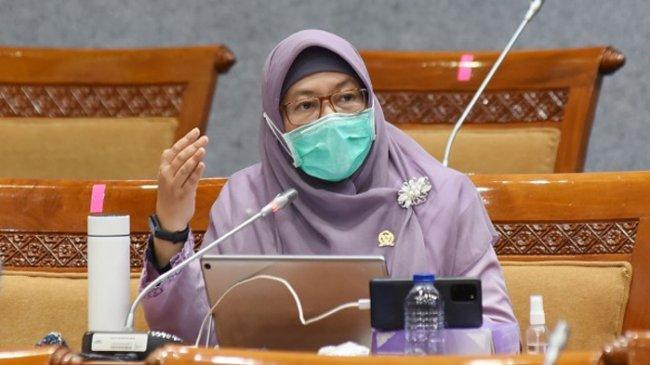 Kasus Covid-19 Melonjak, Anggota DPR Minta Kemdikbudristek Segera Putuskan PJJ