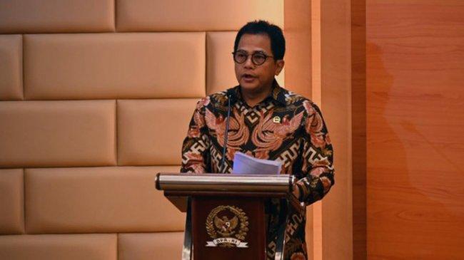 Sekjen DPR Siap Menanggung Risiko Hukum Terkait Pembatalan Tender Pengadaan Multivitamin Rp 2 Miliar