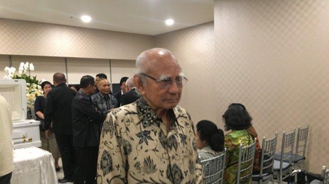 Emil Salim Kenang JB Sumarlin: Beliau Fighter Pemberantas Pungli