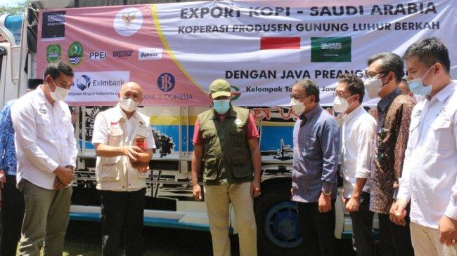 Kemendag Ikut Lepas Ekspor 18 Ton Kopi Java Preanger Produksi Subang ke Arab Saudi