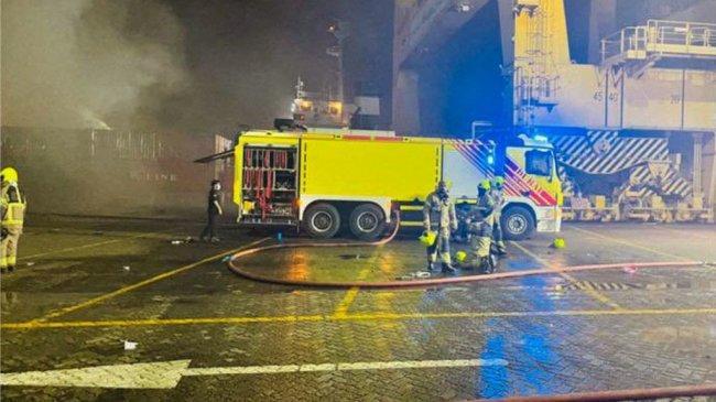 Ledakan di Dubai, Sebuah Kapal Kontainer Terbakar di Pelabuhan Jebel Ali