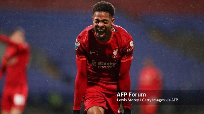 Elijah Dixon-Bonner, Gelandang Usia 20 Ini Jadi Kejutan Liverpool di Daftar B Skuat Liga Champions
