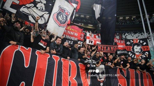 AC Milan 1-1 Juventus: Fan Milan Ledek Juventus, Nyanyikan Lagu 'Kamu akan kembali ke Serie B'