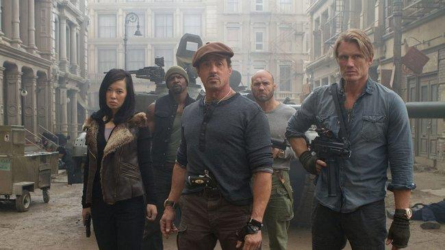 Sinopsis The Expendables 2, Aksi Sylvester Stallone dan Kelompoknya Laksanakan Misi dari CIA