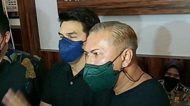 Keluarga Jonathan Frizzy Kecewa Pada Dhena Devanka, Sudah Damai Malah Dilaporkan