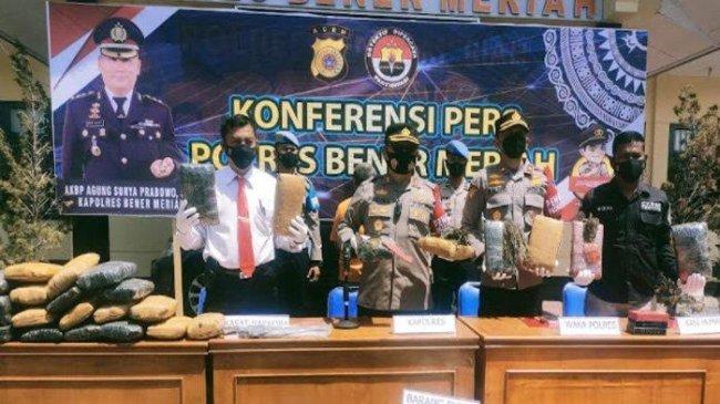 Ganja 147 Kilogram Ditemukan dalam Mobil Kijang Innova di Aceh