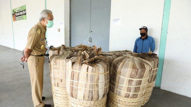 Ganjar Minta Pabrik Rokok di Temanggung Genjot Pembelian Tembakau dari Petani