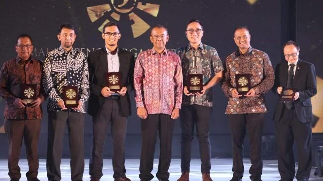 Inapgoc Beri Penghargaan kepada PT Transportasi Jakarta (TransJakarta)