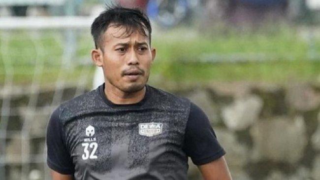 Gelandang Dewa United FC Ini Manfaatkan Libur Bareng 'Fabregas'