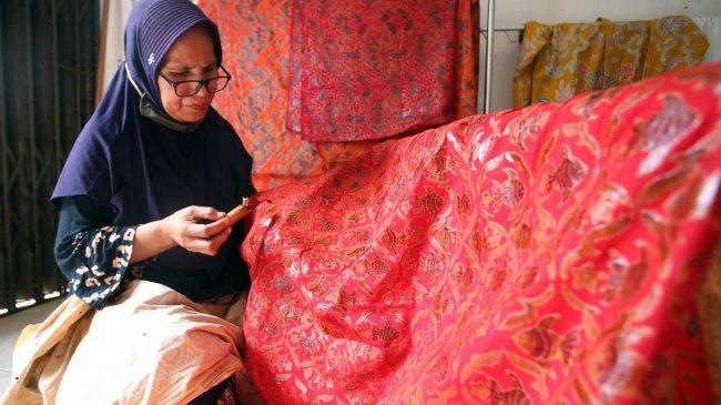 Selamat Hari Batik Nasional, Simak Sejarah Batik, dan Jenis Batik Indonesia yang Jarang Diekspos Ini