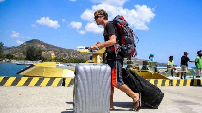 Kemenparekraf Tak Ingin Gegabah Buka Pintu Wisatawan Mancanegara