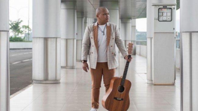 Lewat Lagu 'Kisah', Glen Clivto Curhat Tentang Titik Terendah di Hidupnya
