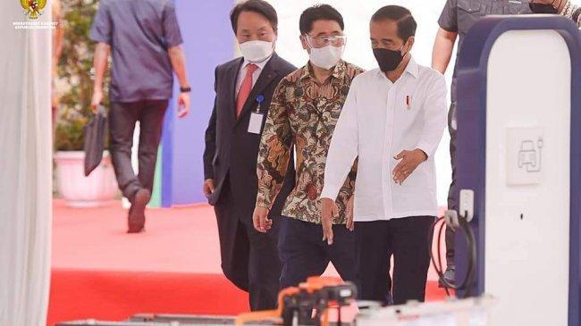 Baja Krakatau Steel Jadi Bahan Baku, Jokowi Sebut Tahun 2023 Mobil Listrik Buatan RI Muncul