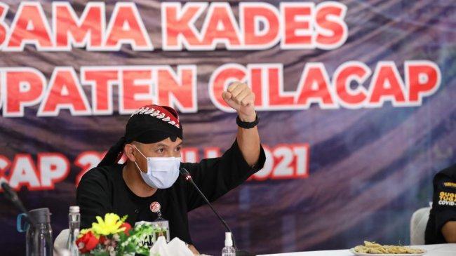 Kepala Desa di Cilacap Langsung Minta Vaksin Saat Bertemu Ganjar