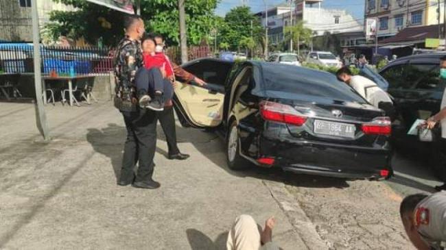 Gubernur Kepri Pinjamkan Mobilnya untuk Menolong Korban Kecelakaan yang Ditemuinya di Jalan
