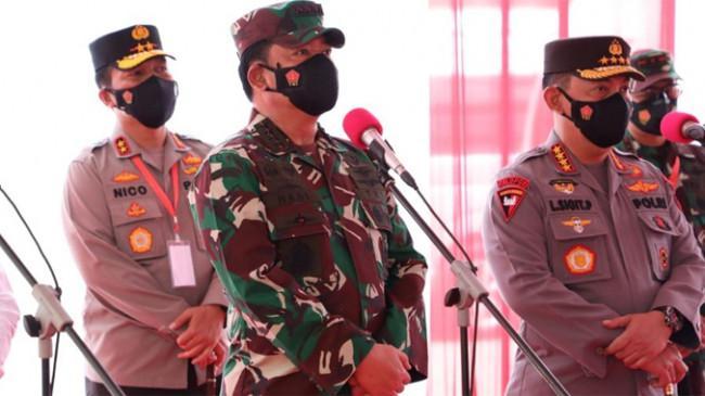 Panglima TNI, Kapolri dan Kepala BNPB Tinjau Vaksinasi Pelajar dan Santri di Malang