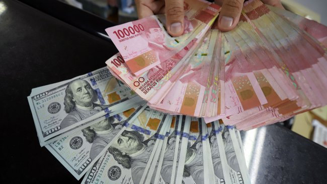 Rupiah Dibuka Melemah ke Rp 14.240 per Dolar AS pada 8 September 2021, Berikut Kurs di 5 Bank