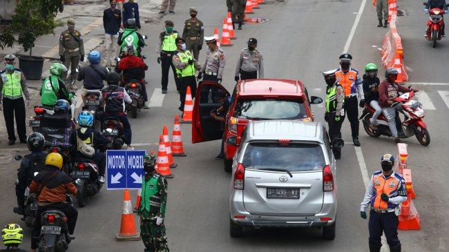 PPKM Darurat Diganti Jadi PPKM Level 4, Bagaimana dengan Syarat Perjalanan Pakai Mobil Pribadi?