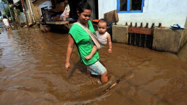 Curah Hujan Tinggi Akibatkan Banjir dan Longsor Kota Padang, 350 Rumah Terendam