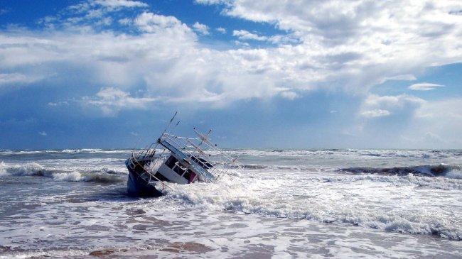 Peringatan Dini Gelombang Tinggi Rabu 20 Oktober 2021, BMKG: 5 Wilayah Capai 4 Meter