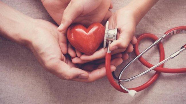Tips Memiliki Jantung Sehat, Tertawa, Minum Teh, hingga Berjalan Kaki