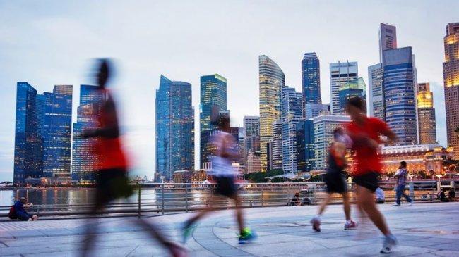 Olahraga Lari dan Bersepeda Jadi Gaya Hidup Kaum Urban, Model Sepatu Ringan Jadi Tren