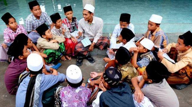 2 Tahun Pemerintahan Jokowi-Ma'ruf Amin, Nama Pesantren Semakin Berkibar