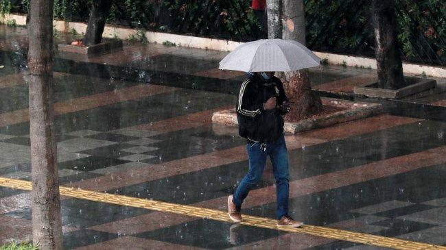 Sejumlah Wilayah di Indonesia Mulai Memasuki Musim Hujan, Jambi hingga Jawa Tengah Bagian Barat