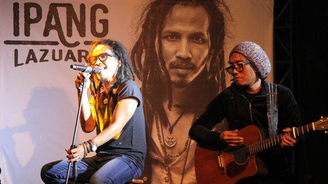 Chord Gitar dan Lirik Lagu Tak Ada Gantinya - Ipang Lazuardi: Ku Mau Menunggu, Tak Pernah Berhenti