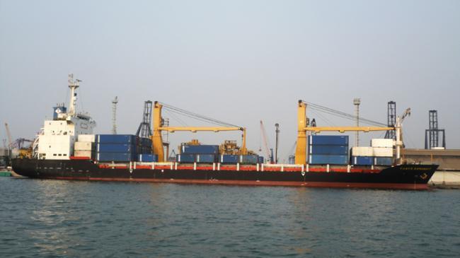 Membenahi Tata Kelola Waktu Bongkar Muat Logistik di Pelabuhan