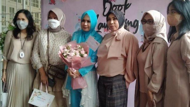 Hadirkan Kisah Mendiang Elly Kasim, Jes Tanjung Wujudkan Mimpinya Lewat Buku 'Sugar Mommy'