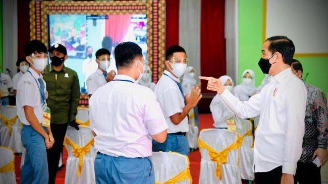 Jokowi Ingin Vaksinasi Covid-19 di Lampung Terus Digencarkan