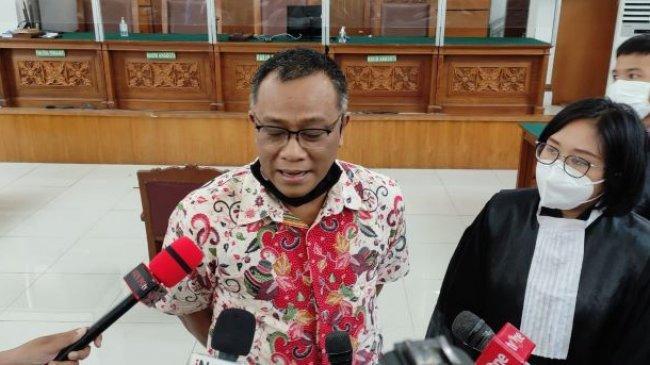 Bacakan Pledoi, Pentolan KAMI Jumhur Hidayat Sebut Pemerintah Represif Terhadap Kritik Omnibus Law