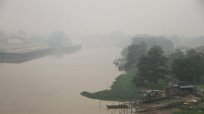 kabut-asap-pekanbaru-semakin-pekat_20190920_121732.jpg