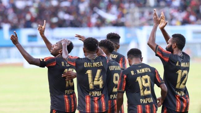 Klub Thailand Kepincut Tiga Pemain Papua yang Moncer di PON XX