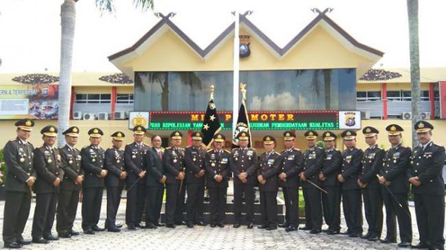 Polda Riau Cuci Pataka sebagai Simbol Kenaikan Tipe
