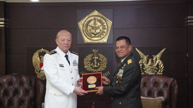 KSAL China Terima Bintang Jalasena Utama