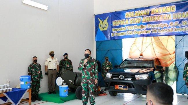 Tinjau Pazam 732, Kepala Staf TNI AU Serahkan Bantuan Mobil Operasional