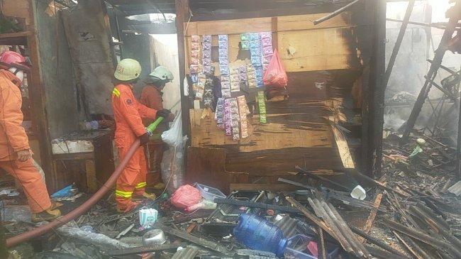 Pemukiman Padat di Teluk Gong Jakarta Utara Dilanda Kebakaran Hebat, Ini Foto-fotonya