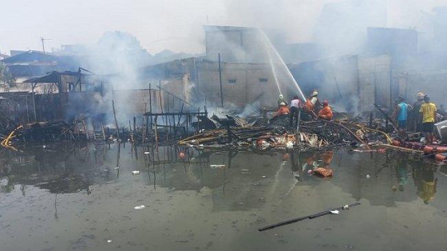 Kebakaran Hebat Hanguskan 57 Rumah di Tanjung Priok, Kerugian Ditaksir Capai Rp 1 Miliar
