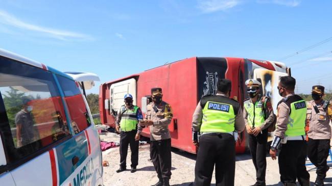 KRONOLOGI Kecelakaan Bus Sudiro Tungga Jaya di Tol Pejagan-Pemalang, Berikut Identitas Para Korban