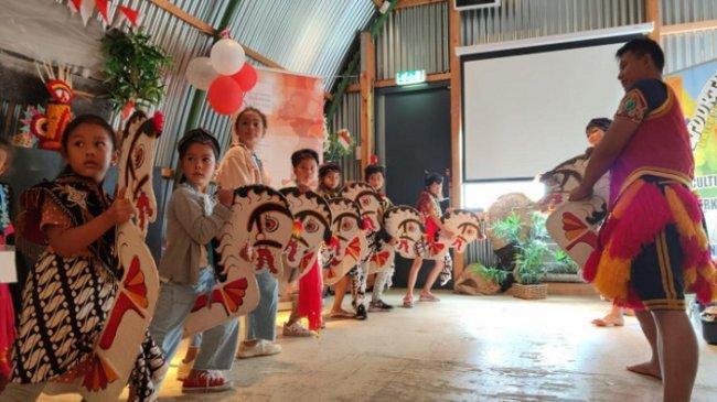 Antusiasme Warga Belanda Mengenal Seni dan Permainan Anak Indonesia