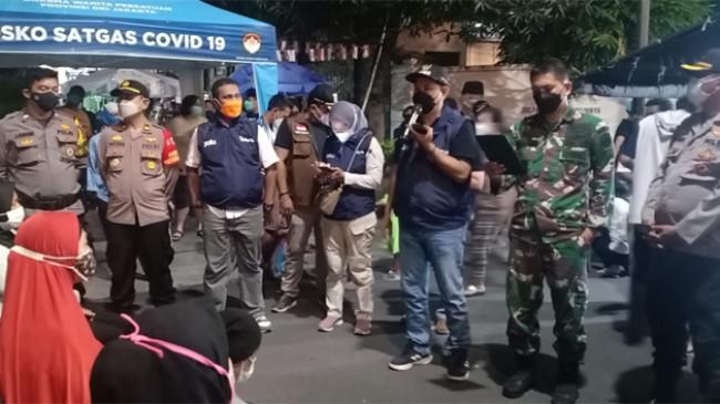 Kelurahan Taman Sari Jakarta Barat Gelar Vaksinasi Covid-19 pada Malam Hari