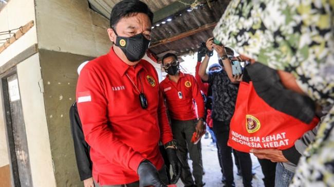PPKM Darurat, Kepala BIN Sambangi Rumah Warga Bagikan Bantuan di Bandung Barat