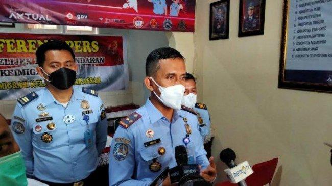 Penjelasan Kepala Kantor Imigrasi Makassar terkait Kedatangan 20 TKA China Saat PPKM Darurat
