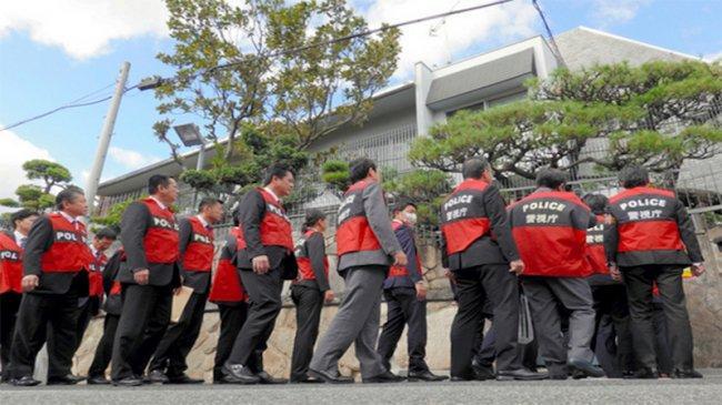 Adu Pintar Antara Yakuza dan Polisi Jepang Terkait Hukum Penggunaan Senjata Api